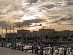 Puerto de Vigo-_A010074 (peruchojr) Tags: puertodevigo nutico mar nubes edificio arquitectura bote barco