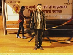 Dandy (Mayank Austen Soofi) Tags: delhi walla man boy dandy suit fashion bus stop commuter