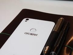 """Alcatel """"Shine Lite"""" (Markus Rödder (ZoomLab.de / FotoDinge)) Tags: fotodinge shinelite alcatel smartphone daretoshine android zoomlab blog handy cellphone"""