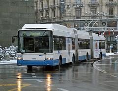 Mega trolley (geoff7918) Tags: switzerland luzern trolleybus hess 231 30122014