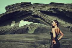 Mandy Mars (IPOXstudios) Tags: ocean beauty pose landscape photography hawaii model howto painter educational technique gestaltpsychology figuregroundrelationship masteringcomposition