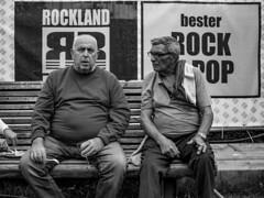 Rock & Pop? (Markus Immerheiser) Tags: portrait bw man silhouette rock germany deutschland wiesbaden streetphotography streetlife porträt pop potd oldtimer streetphoto mann schwarzweiss bnw männer schwarzweis strassenfotografie strasenfotografie streetphotoclub photoogtheday instagood cinematicstreetart