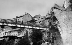 mostar (24) (Parto Domani) Tags: old bridge river war mostar bosnia fiume guerra ponte herzegovina neretva vecchio passerella turchi balcani artiglieria turco balcan croati erzegovina croato