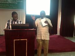 Ebenezer Olaleye and Pheneas Ntawuruhunga (IITA Image Library) Tags: planning nigeria meetings participants cassava abuja manihotesculenta sardscproject
