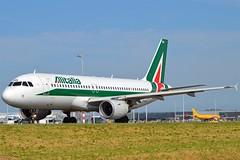 """Scirocco"" Alitalia EI-IKG Airbus A320-214 cn/1480 @ Taxiway Q EHAM / AMS 06-06-2016 (Nabil Molinari Photography) Tags: scirocco alitalia eiikg airbus a320214 cn1480 taxiway q eham ams 06062016"