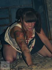 Ein Schulmdchen Zombie (chrisgarphoto) Tags: blut brnett city fabrik fashion frau horrorfilm lostplace mode monster outdoor personen portrts sommer streetfashion teufel untod verrckt walkingdead zombie