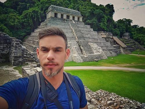 Visitando uns caquinhos maias