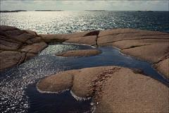 Extended Sea (*Kicki*) Tags: stngehuvud vstkusten lysekil bohusln sweden sea rocks water sky 50mm glitter backlight horizon nature stngehuvud vstkusten bohusln granite