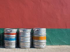 Guinness group (niko'n) Tags: guinness colored irlande ireland nikon couleur nicolas pourtout irish wall color groupe d800 guinnessgroupe nicolaspourtout