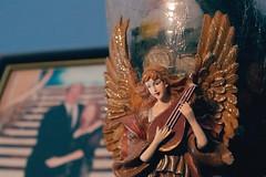Angel. (aviandigital) Tags: angel rule thirds wings warm loving family