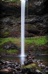 AutumSilverFallsRocks (Jorge97301@gmail.com) Tags: autumn fall waterfalls oregon pnw beautiful stunning farm silver falls state parks forest creek stream water pool lake rocks dog portland silverton salem