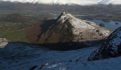 Catbells from Maiden Moor (Nick Landells) Tags: catbells maidenmoor snow winter keswick derwentwater