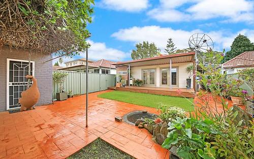 14 Girraween St, Kingsgrove NSW 2208