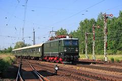 242 001 (Zugbild) Tags: eisenbahn zug bahn train br242 holzroller e42 br142 sachsen leipzig schnefeld dr