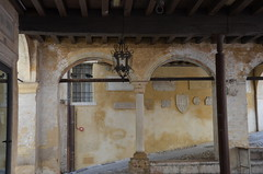 ancient wall (Hayashina) Tags: veneto asolo italy wall old lamp