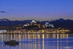 San Vicente (alfonso-tm) Tags: nocturna fujifilmxt1 sanvicente cantabria luces castillo iglesia villa marinera