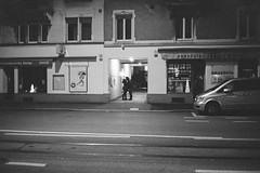 secret love (Silvio Naef) Tags: love kiss night film analog push iso 1600 xtol 35mm contax t2 f28 zrich swiss monochrome blackandwhite
