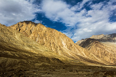 Contrasting landscapes of Nubra (marcusfornell) Tags: india mountains nature landscape asia asien himalaya indien himalayas ladakh nubravalley southasia sdasien