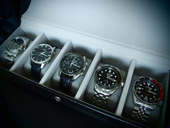 Give Me Five ! (Fana ) Tags: blue 1969 me james solar  watches box five jubilee watch omega nasa give professional casio co bond diver pepsi horloge 300 wristwatch oyster seamaster speedmaster seiko tough lineage rolex perpetual bote 200m chrono axial coffret moonwatch 7s26 skx009 116000 mounters fanawatches watchelse