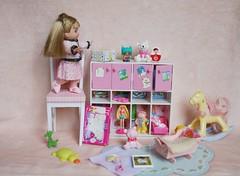 IMG_7724 (irinakopilova) Tags: barbie kelly doll little sister shelly small baby