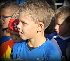 Winner (Cavabienmerci) Tags: switzerland suisse schweiz run running race runner laufen lauf lufer course  pied coureur coureurs athlete athletes jungen boy boys kids kid garons gurten classic gurtenclassic berne bern sport sports earring earrings