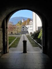 Feltre - scorcio (magellano) Tags: feltre belluno italia italy italie architettura architecture scorcio glimpse arco arch pilone autunno autumn