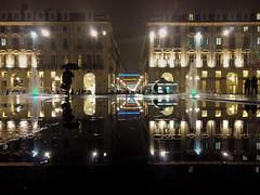 uomo con ombrello in piazza castello (italo dei silenzi) Tags: acqua luci ombrello piazzacastello pioggia torino