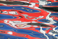 la mer Picasso (tableaux.imaginaires) Tags: mer picasso reflet reflection spiegelungen abstract red water eau sea