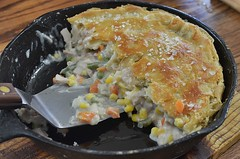 Mmm... turkey pot pie (jeffreyw) Tags: dinner turkey corn onions carrots greenbeans supper potpie ilikepie buttercrust