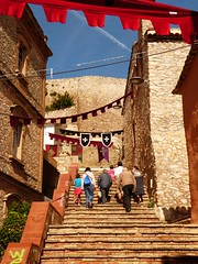 Escales de l'Ajuntament (calafellvalo) Tags: treppe step ladder ladders escaleras leiter chelle peldaos calafellvalo escalerasescalesbaixpenedsescalesscalestaircasecalafellvalo strsis