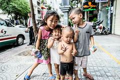 750_5937 (motonari1611) Tags: street children vietnam peple ベトナム ホーチミン こども hồchíminh ストリートフォト