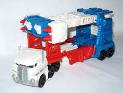ultra magnus with minimus ambus transformers generations combiner wars leader class hasbro 2015 alt vehicle truck trailer mode b with missile weapons (tjparkside) Tags: truck robot with transformer alt mini class transformers vehicle leader wars trailer generations mode ultra magnus con autobot hasbro autobots minicon 2015 minimus combiner ambus