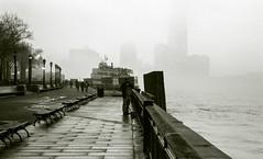 New York, Manhattan, brouillard, 3 (Patrick.Raymond (2M views)) Tags: newyork tmax manhattan nikonf100 brouillard expressyourself samyang14mm
