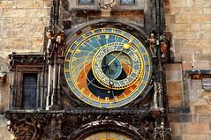 orologio astronomico (Mario Barzionni) Tags: sun moon art clock arte praga luna sole orologio municipio astronomico boemia staromstsk nmst