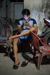 (kuuan) Tags: street night 50mm takumar f14 smc hochiminhcity manualfocus handphone wideopen 5014 1450 f1450mm smctakumar50mmf14 sonya7 ilce7 abackalleyindistrict3