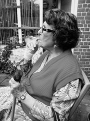 Marie-Louise (Kimoufli) Tags: noir blanc noiretblanc blackandwhite portrait personneage fume cigarette famille grandmre personne femme dame fume profil age grandmother