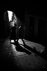 The Fog (Sergi_Escribano) Tags: barcelonastreetphotography city laboqueria light barcelona blackandwhite blancoynegro backlighting monochrome monocromtico noircity autumn fall streetphotography streetsofbarcelona