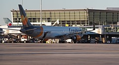 PA190005 TRUDEAU (hex1952) Tags: yul trudeau germany condor thomascooke boeing b767