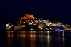 Peniscola (digithill) Tags: peniscola spain nightshot longexposure reflections castle
