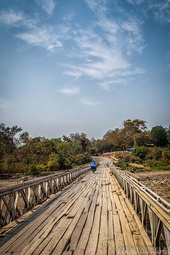 W Birmie dominują mosty drewniane