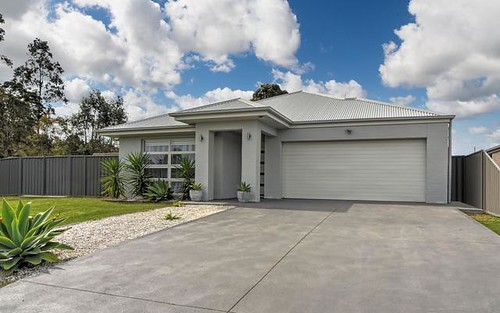 18 Somerset Avenue, South Nowra NSW 2541