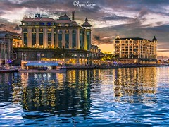 Caudan waterfront (ryancurier) Tags: landscape mauritius ilemaurice reflection reflets architecture night porlwi caudan canon 450d 18200mm city