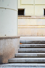 Nothing Red (Jenna) Tags: city red urban rot stairs rojo shapes treppe stadt minimalism formen urbanfragments firabarcelona treppenstufen minimalismus carrerdelleida barcelona2015 jenniferriehn