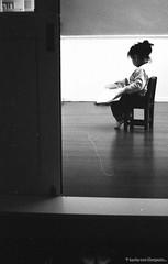 F20150222_CV-Bessaflex(Chrome)+AGFA-Retro400S_N_034-Y48 (Leche con Compasio) Tags: portrait blackandwhite bw film monochrome rollei analog reading iso400 families n taiwan indoor nb negative chrome m42 ddr sw 台灣 agfa jeanne 黑白 家人 人像 cosinavoigtlander 汐止 2015 czj 底片 withher filteryellow 閱讀 blackwhitephotos carlzeissjenna pancolar50mmf18 shijih voigtlanderbessaflex readingathome y482 新北市 newtaipeicity agfaretro400s bwfp documentinghergrowingpace 她の成長記錄 pancolarelectric1850mc 在家讀書