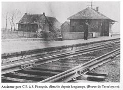 Gare St-Francois, vers 1920. (Jean-Marc Hurtubise) Tags: train gare rail locomotive laval chemin fer stfrancois