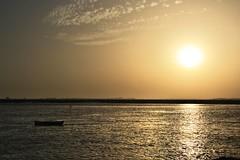 Serena barca (RalRuiz) Tags: espaa puerto atardecer mar andaluca barca huelva atlntico islacristina rocarreras