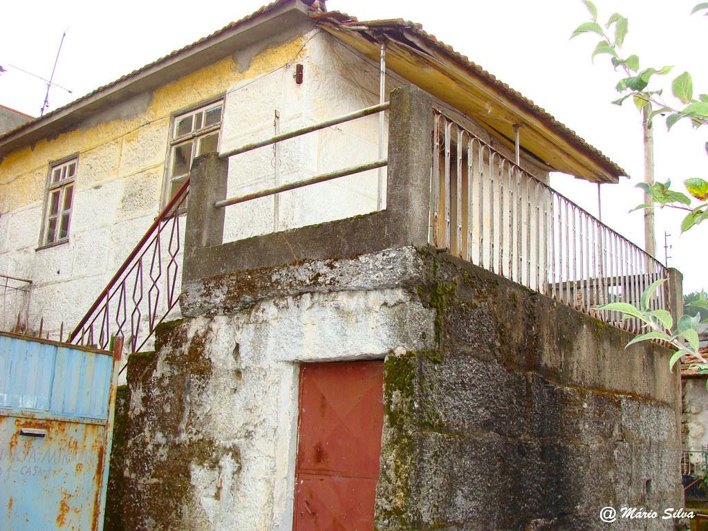 Águas Frias (Chaves) - ... casa da Aldeia ... (2009)
