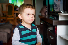 Gui com cara de brabo (Rampager) Tags: canon 7d kid portrait guilherme