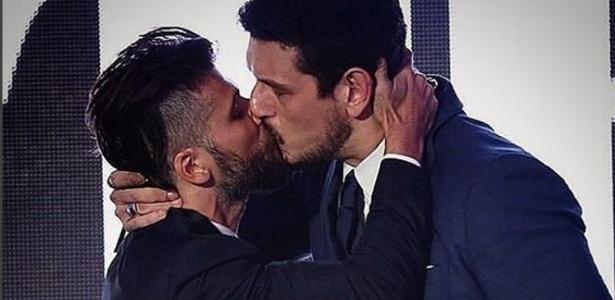 Cesar Menotti critica selinho de Gagliasso; Jean Wyllys sugere beijo triplo