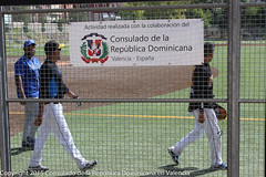 "Jornada del torneo de Softból dominicano en Valencia • <a style=""font-size:0.8em;"" href=""http://www.flickr.com/photos/137394602@N06/23312786732/"" target=""_blank"">View on Flickr</a>"